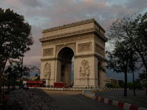 Paris, França,viagens, turismo, roteiros, pacotes, lua de mel, agência, agência de viagens, Notre Dame, Torre Eiffel, Napoleão, Invalides, Campo de Marte, Ecole Militaire, Arco do Triunfo